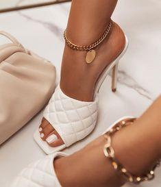 Fancy Shoes, Pretty Shoes, Crazy Shoes, Beautiful Shoes, Dr Shoes, Hype Shoes, Me Too Shoes, Shoes Heels, Pumps