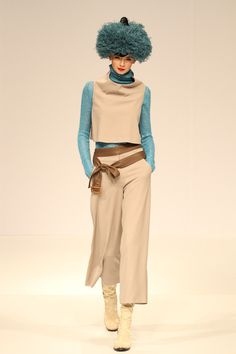 Brand:YUKIKO HANAI 2012-13 AW More photo at:  http://www.fashionsnap.com/collection/yukiko-hanai/2012-13aw/