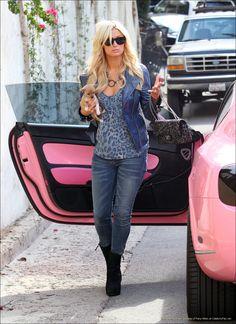 paris-hilton/ pink-bentley convertible