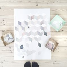 Er gået i gang med det nye patchwork billede.. Nu i meget lyse toner Der ligger skabelon på bloggen og alt du behøver er lim og en bunke gamle magasiner ✂️ #krea#diy#patchwork#boligindretning#bolig#boligliv#interiør#detydre#homemade#genbrug#magasiner#boligmagasinet#madogbolig#plakat