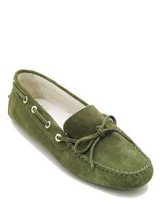 #Mocassino estivo da donna il gergo, in vera pelle camosciata di colore verde, ideale per essere abbinato con qualsiasi outfit, soletta interna in vero cuoio, fondo tipo #gommini. #MadeInItaly