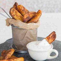 Here I share with you a some game changing tips to getting Oven Baked Potatoes Wedges that are crispy and crunchy on the outside, yet light and fluffy on the inside! #potato #wedges #fries | www.dontgobaconmyheart.co.uk
