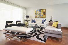 Vista de la sala desde el ingreso de la casa. #asesorialivingdesign #interiordesign