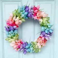 Tulip Wreath DIY (I would do white tulips only & add greenery) from: The How To Mom Wreath Crafts, Jar Crafts, Diy Wreath, Easter Crafts, Easter Decor, Wreath Ideas, Wreath Making, Snowman Wreath, Easter Table