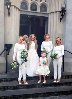 the-hottest-wedding-trend-25-stylish-bridesmaids-jumpsuits-10 - Weddingomania