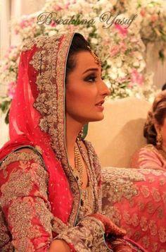 Momal Sheikh wearing Sana Safinaz, gorgeous wedding photos!!!!!