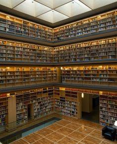Biblioteca de la universidad de Weimar, Alemania.