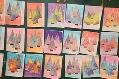 format des cartes : canson 14x19cm le fond : encres liquides pailletées les enfants pouvaient choisir 2 ou 3 couleurs qu'ils ont étalé avec un pinceau mousse large . les sapins : sur une feuille canson 24x32 mouillée avec le pinceau mousse , ils ont déposé des carrés de papier de soie (découpé par moi et mon atsem ) ils avaient le choix de prendre 3 couleurs . ils devaient recouvrir entièrement la feuille sans laisser de blanc . il faut bien mmouiller la feuille au fur et à mesure quitte à r
