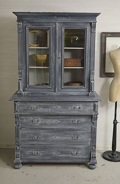 #letstrove This stunning European Display Cabinet has been painted in Farrow & Ball Railings with Hardwick White dry-brush effect. We love its practical storage with 4 large drawers and top shelving unit. Ideal in a dining room, lounge or kitchen.  https://www.thetreasuretrove.co.uk/cabinets-and-storage/4-drawer-shabby-chic-european-display-cabinet #drybrusheffect #shabbychic