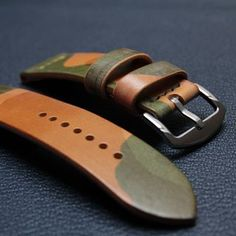 camo watch strap #apple #applewatch #applewatchstrap #leatherwatchstrap #watchband #handmade #czech #czechmade #praha #prague #reminek #pasek #hodinky #panerai #igercz #igraczech #instaczech #instacz #vscocze #pavelhlavka #watch