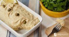 Il seitan tonnato vegano è una ricetta perfetta per l'estate ma adatta alla tavola di tutto l'anno!