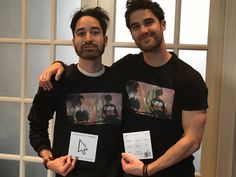 """Darren Criss teams up with brother to form pop band Former """"Glee"""" star Darren Criss has teamed up with his musician-brother Chuck to form an independent alt-pop band called Computer Games. Beautiful Men, Beautiful People, Darren Criss Glee, Glee Cast, Just Beauty, Handsome Actors, Pop Bands, Gaming Computer, Fangirl"""