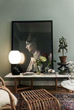 green wall oversized art and beautiful styling