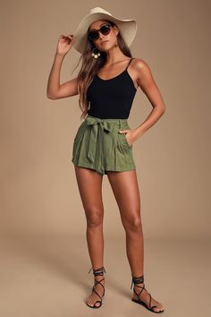 Biker Shorts Outfit Discover Climb the Ladder Olive Green Belted Shorts Climb the Ladder Olive Green Belted Shorts Shorts Outfits Women, Short Outfits, Casual Outfits, Grunge Outfits, Outfits With Jean Shorts, Classy Shorts Outfits, Fashion Shorts, Looks Con Shorts, Late Summer Outfits