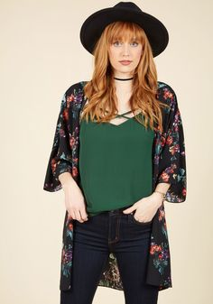 <p>We can say for sure that you'll have fun making fabulous looks from this kimono-inspired cardigan! Flaunting muted red, purple, and jade florals all along its flowy, open-front silhouette, this lightweight layer brings bona fide beauty into your every ensemble.</p>