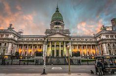CAPITALISMO Y DEMOCRACIA EN LA ARGENTINA: EVOLUCIÓN INSTITUCIONAL  El Consejo Profesional de Arquitectura y Urbanismo  invita a la conferencia a cargo del Dr. Vicente Palermo.  Miércoles 30 de noviembre, 18 horas | Auditorio CPAU, 25 de mayo 482.  Actividad gratuita. Requiere inscripción previa.  Más info: http://ly.cpau.org/2fD3RQu  #AgendaCPAU #RecomendadoARQ