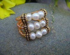 Handgemaakte Pearl Ring - Pearl Cocktail Ring - Chunky Beaded Ring - parel en goud - bruidsmeisje geschenken