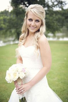Wedding make-up http://www.dressupmybarbie.com/games/wedding-dressup/