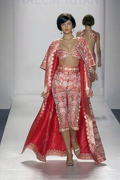 Naeem Khan Spring 2008 Ready-to-Wear Fashion Show - Katarina Ivanovska