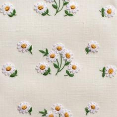 Daisies Scatter<br>Hand Towel - Ivory Linen