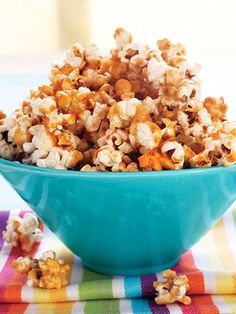 Movie night? How to make healthy, homemade caramel popcorn. #NationalDessertDay #fitnessmagazine