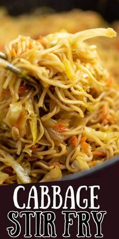 Ramen noodle cabbage stir fry recipe. Top with sweet chili sauce! My family absolutely loves this recipe! Vegetable Recipes, Vegetarian Recipes, Cooking Recipes, Healthy Recipes, Wok Sauce, Restaurant Fast Food, Stir Fry Dinner Recipes, Homemade Stir Fry Sauce, Fried Cabbage