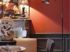 Idée peinture salle à manger : rouge incandescent et gris anthracite.