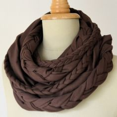 Make your own braided infinity scarf, just in time for fall.