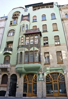 Budapest Bedo House by Emil Vidor 1903.