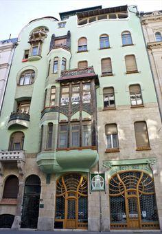 Budapest Bedo House by Emil Vidor 1903.