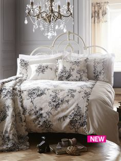 Miranda Duvet Cover Set