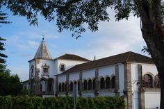 Palácio de D. Manuel is a former royal residence of the Kings of Portugal, in Évora. O paço era, segundo crónicas da altura, um dos edifícios mais notáveis do reino, tendo como principais construções o claustro da renascença, a Sala da Rainha, o refeitório e a biblioteca régia, sendo esta uma das primeiras do país.