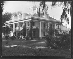 houmas plantation louisiana - showing original roof ornamentation-now removed