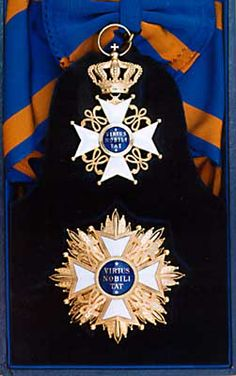 Netherlands-Order of Netherlands Lion photo Neth-Lion-GCross. Royal Crowns, Royal Jewels, Crown Royal, Uniform Insignia, Military Insignia, Royal Monarchy, Military Decorations, Military Orders, Grand Cross
