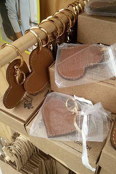 leather for jewelry cuir pour bijoux # bijoux en cuir Leather Jewelry Box, Leather Keyring, Leather Art, Leather Gifts, Leather Tassel, Leather Accessories, Leather Earrings, Leather Tooling, Leather Wallet
