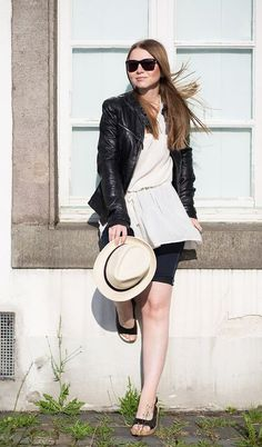 Der neue Look von Minnja zeigt Euch wie man die Lederjacke JANA von MAZE Fashion sommerlich kombinieren kann und ein schönes Outfit kreiert, das perfekt für den gerade etwas kühleren Sommer ist!!!  #perlepr #maze_fashion #minnja #leather #leatherjacket #summerlook #fashion #ss2015 #fashionbloggermany #bloggerfashion #summer #fashionblogger_de #fashionblogger #styleblogger #inspiration #bloggerstyle