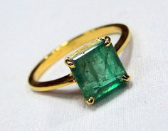 Emerald Ring 18 K solid gold Emerald ring 9401