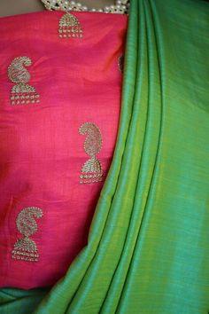 Soft silk saree with soft silk embroidered blouse Order what's app 7995736811 Set Saree, Saree Dress, Pakistani Wedding Outfits, Indian Outfits, Saree Styles, Blouse Styles, Blouse Patterns, Saree Blouse Designs, Modern Saree