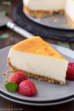 How to Make the Best Cheesecake | bakedbyanintrovert.com @introvertbaker