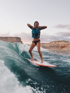 Surfing holidays is a surfing vlog with instructional surf videos, fails and big waves Beach Aesthetic, Summer Aesthetic, Summer Dream, Summer Beach, Summer Feeling, Summer Vibes, Surfergirl Style, Surfing Pictures, Summer Goals