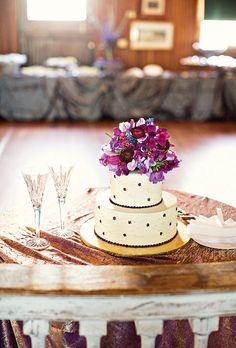 """""""We wanted something simple, that was easy to cut and share,"""" says the bride. Photo: Katie Stoops."""