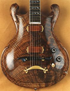 custom guitars Searching the best luthiers and manufactures for International Guitar Fair, Seville - September Jesselli Guitars Guitar Shop, Jazz Guitar, Guitar Art, Music Guitar, Cool Guitar, Acoustic Guitar, Guitar Chords, Unique Guitars, Custom Guitars