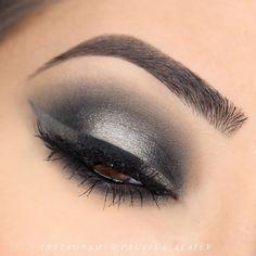 Black and Grey Halo Smokey Eye and Halo Liner Makeup Tutorial - Makeup Geek Black Eye Makeup, Purple Eye Makeup, Cat Eye Makeup, Eye Makeup Tips, Beauty Makeup, Makeup Ideas, Makeup Tutorials, Makeup Goals, Beautiful Eye Makeup