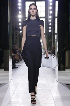 Balenciaga Ready To Wear Spring Summer 2014 Paris - NOWFASHION