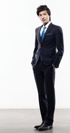 Lee min ho fashion formal young male style lee min ho lee m City Hunter, Boys Over Flowers, Korean Star, Korean Men, Asian Men, Asian Actors, Korean Actors, Fashion Moda, Mens Fashion