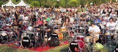 Pertunjukan Luar Biasa Seribu Musisi Penggemar Foo Fighters  - Notanostra.com