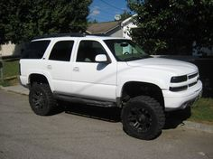 Lifted Z71 Tahoe, V8/Auto/4x4/Limited-Slip