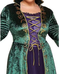 Adult Winifred Sanderson Costume - Hocus Pocus - No one is safe this Halloween--not when the Sanderson Sisters are back and better than ever! Take on the role of Winifred Sanderson and cause tr Hocus Pocus Halloween Costumes, Halloween 2019, Halloween Outfits, Halloween Make Up, Halloween Party, Halloween Ideas, Group Costumes, Cosplay Costumes, Winifred Sanderson Costume