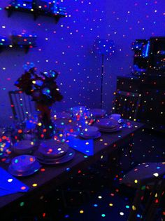 uv paint dotted_room