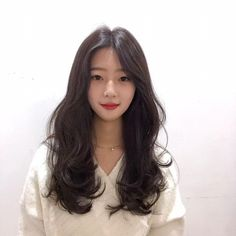 Korean Hairstyle Long, Korean Hairstyles Women, Ulzzang Hair, Corte Y Color, Aesthetic Hair, Asian Hair, Permed Hairstyles, Dream Hair, Dark Hair